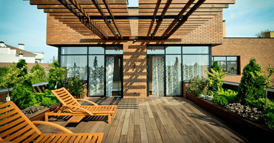 Houten Balkon Meubels : Houten terras vakantie in eigen tuin balkon en terras tuin