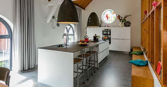 Keuken met groot modern keukeneiland keuken inrichten keuken