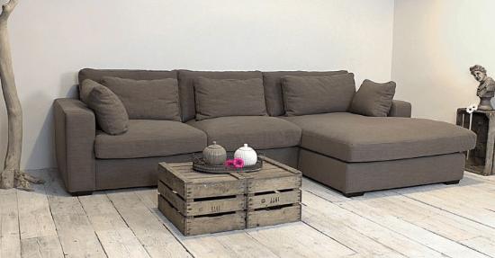 Een moderne woonkamer met échte blikvangers meubels interieur