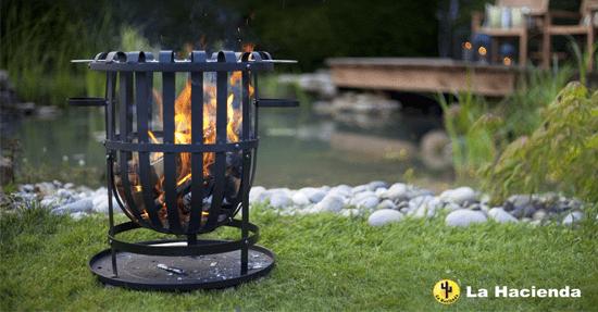 Ongekend Gezellig, een vuurkorf in de tuin | Buitenhaard en kachel | Tuin XH-32