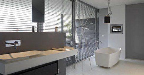 Gietvloer Badkamer Douche : Gietvloer in natte ruimten giet en betonlook vloeren vloeren